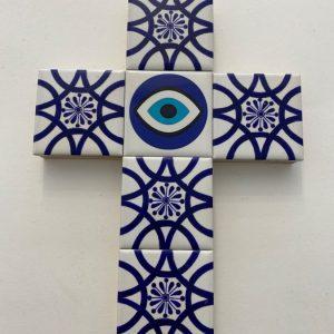 eye cross